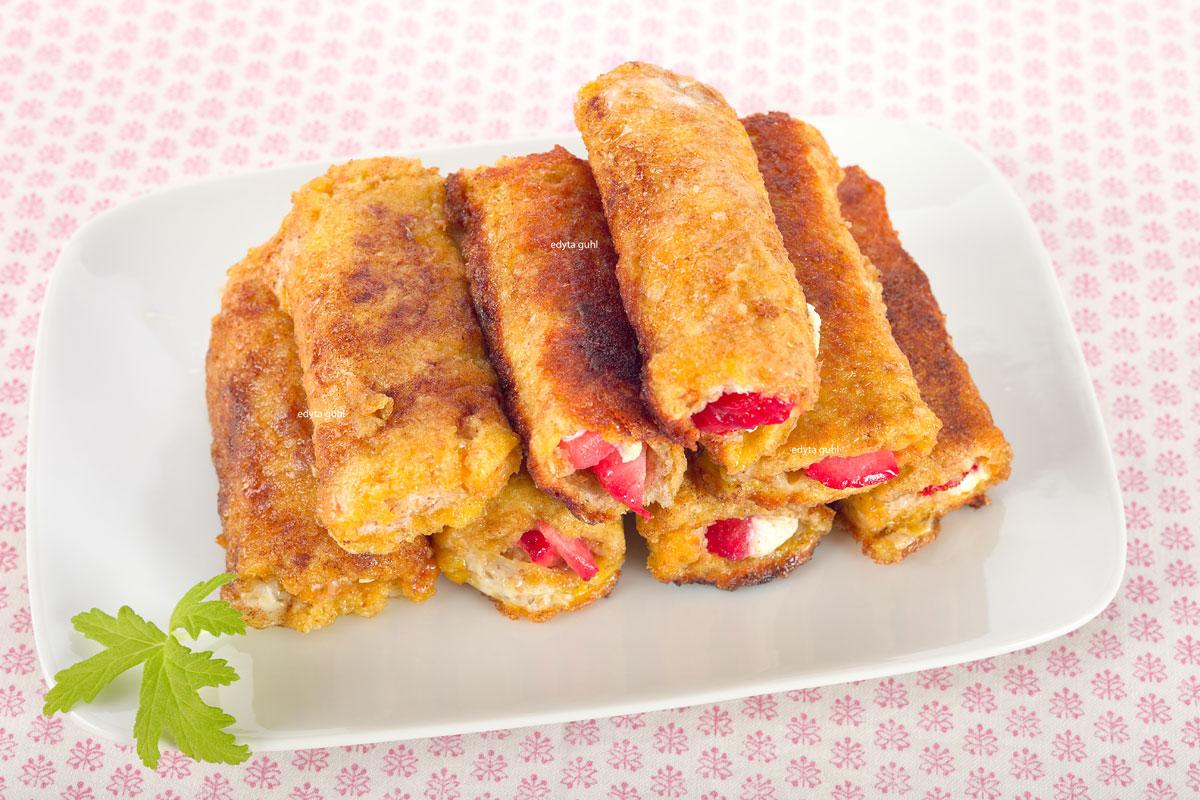 Toast-Röllchen mit Erdbeeren, French Toast Roll Up. Edyta Guhl.