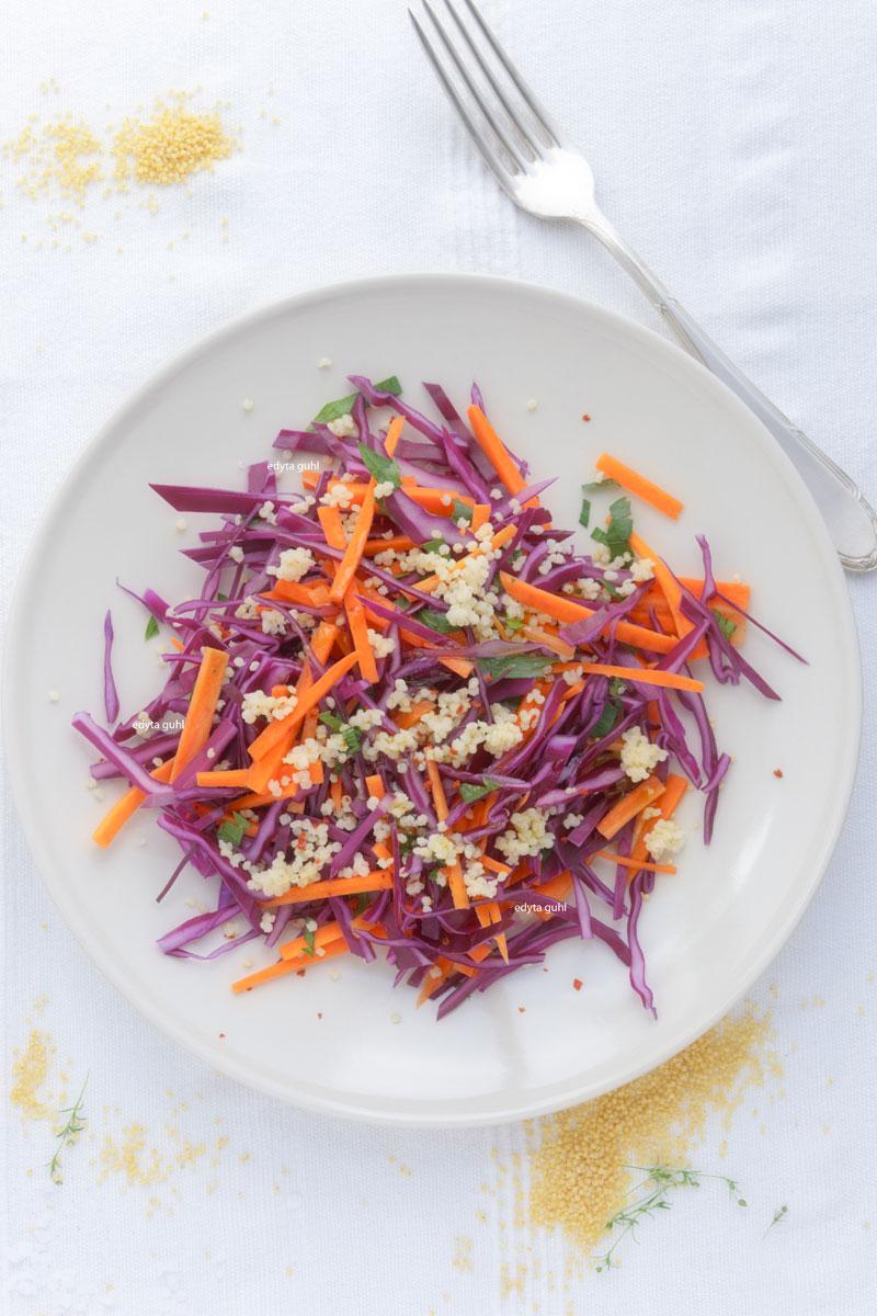 Rezepte für Salate. Salat mit Rotkraut. Edyta Guhl.