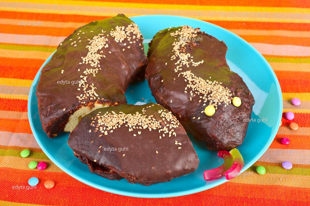schokoladenschlange-oder-marmorkuchen-mit-marzipan