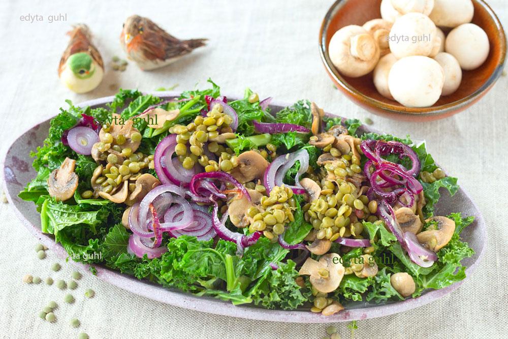 Gemüse mit Grünkohl. Linsen und Zwiebeln. Edyta Guhl.