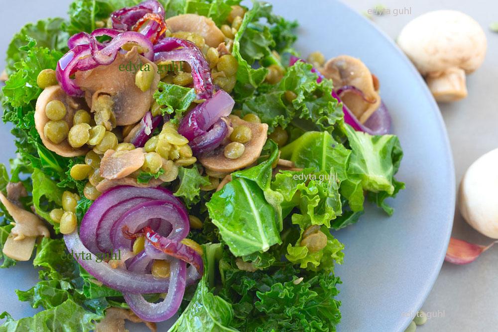 Leckere Rezepte für grüne Linsen mit Champignon- Pilzen und Grünkohl. Edyta Guhl.