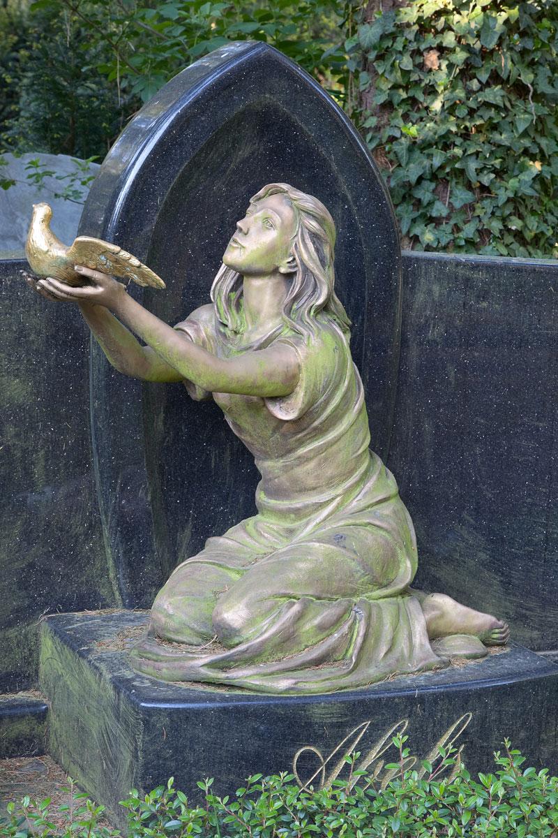 Ein ganz anderer Friedhof- Melaten in Köln. Edyta Guhl.
