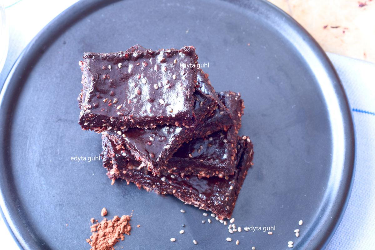 Chiasamen mit Kakao. Vegane Rezepte. Edyta Guhl.