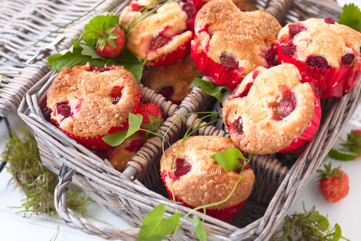 Muffins mit Erdbeeren. Edyta Guhl.