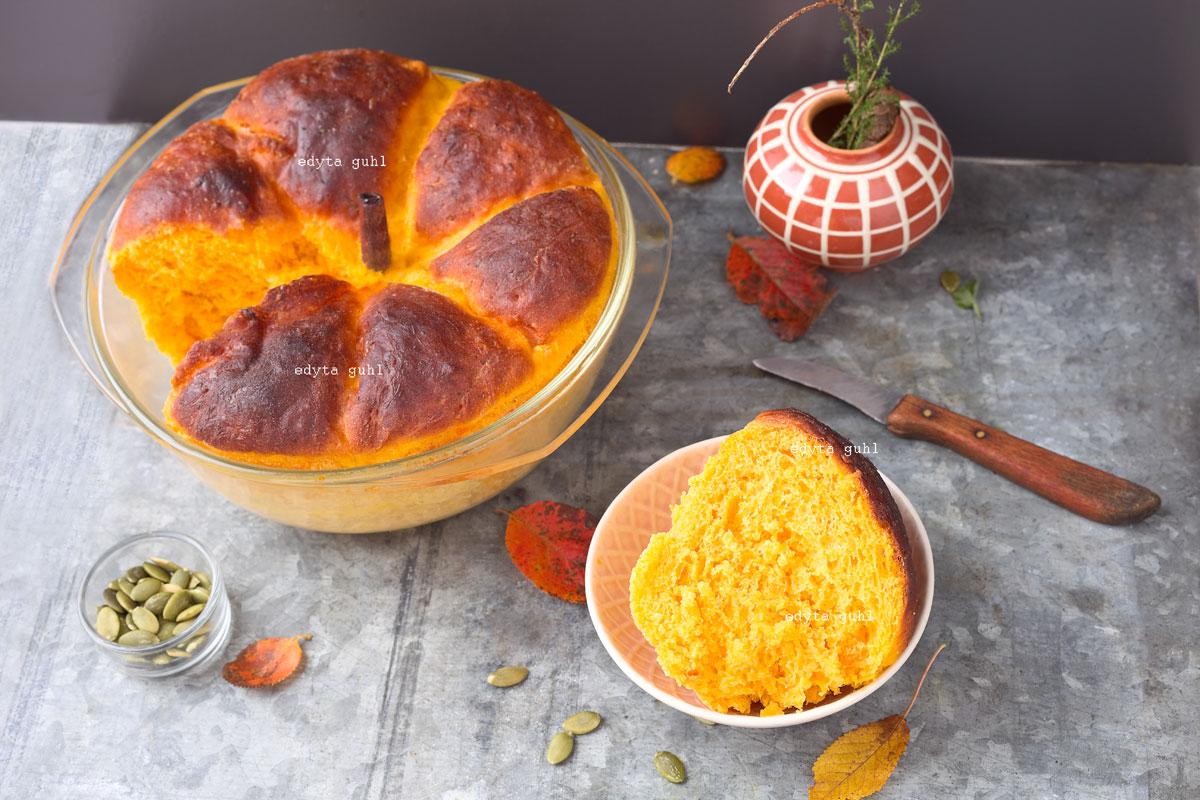 Rezepte für Hefekuchen mit Kürbis. Kürbis- Brötchen. Edyta Guhl.