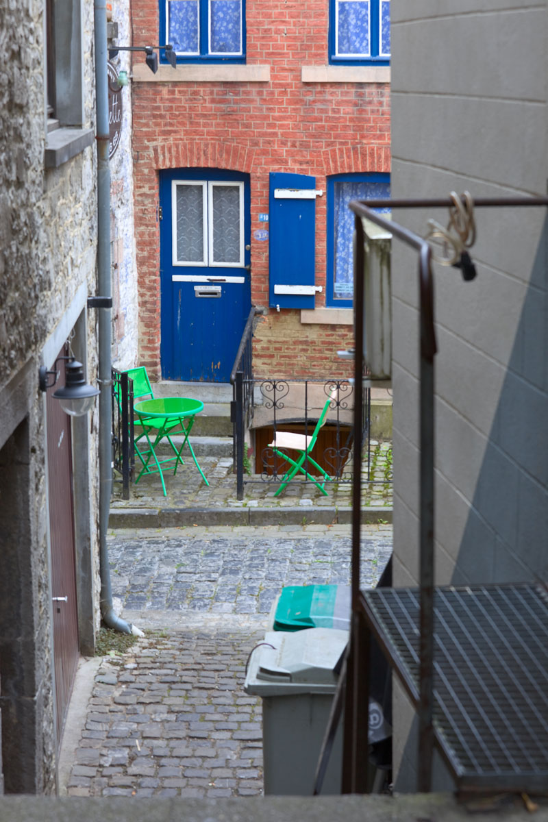 Innenhof in Durbuy, Belgien. Edyta Guhl. Reise nach Belgien.