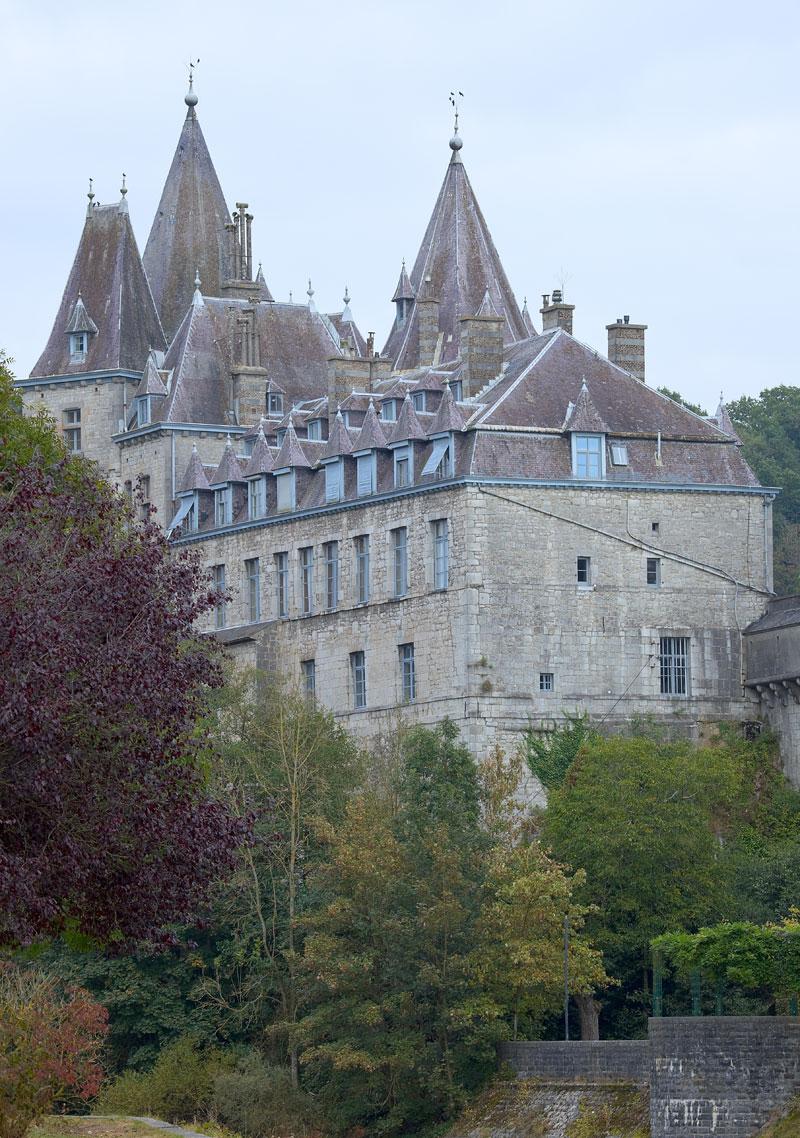 Burg in Durbuy. Edyta Guhl. Reise durch die Wallonie.