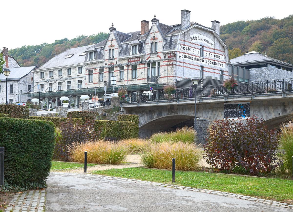 Schöne Gassen in einer mittelalterlichen Stadt- Durbuy in Belgien. Edyta Guhl.