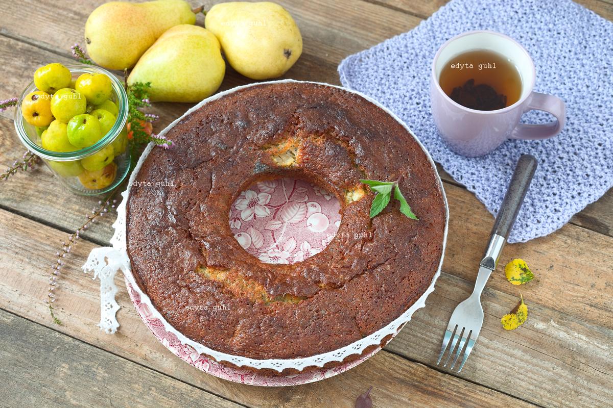 Mohn- Kuchen mit Marzipan und Birne. Edyta Guhl.