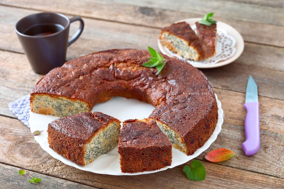 Rezept für Mohn- Kuchen mit Marzipan.