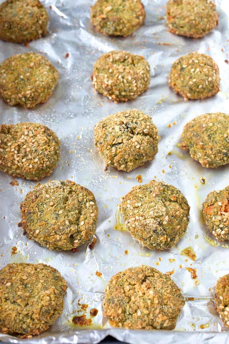 Gebackene Gemüse- Bällchen mit Sesam. Edyta Guhl.
