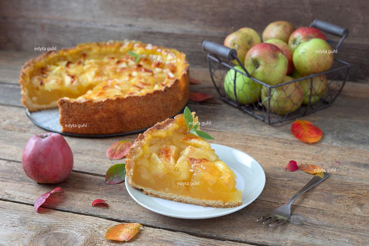 Rezepte für Apfelkuchen. Apfel- Weintorte. Edyta Guhl.