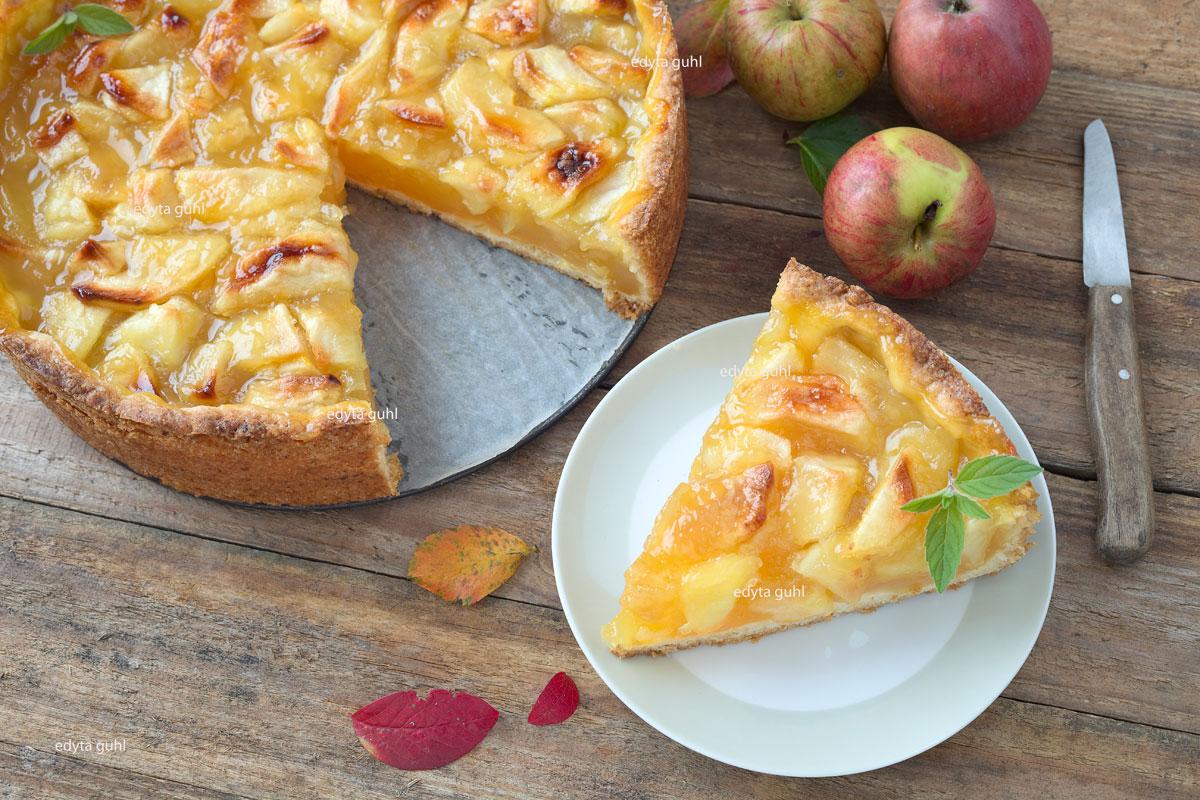 Apfelkuchen mit Weißwein. Edyta Guhl.