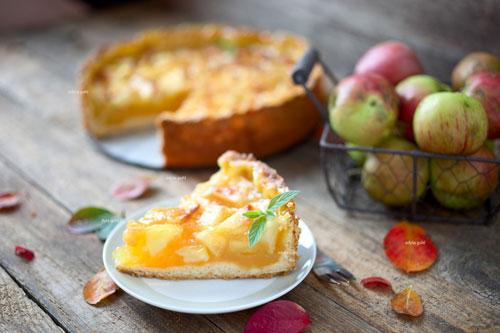 Apfel-Wein-Torte. Edyta Guhl.