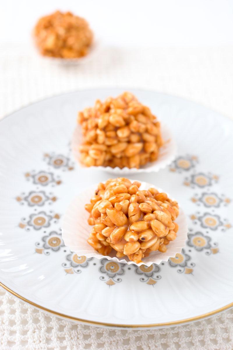 Süße Bällchen aus Puffreis. Edyta Guhl.
