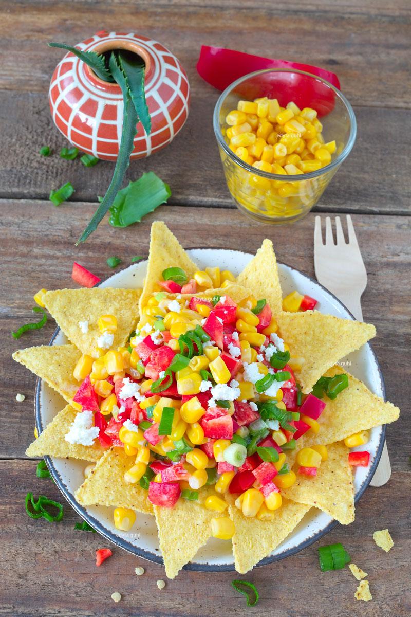 Rezept für mexikanischen Salat mit Nachos. Edyta Guhl.