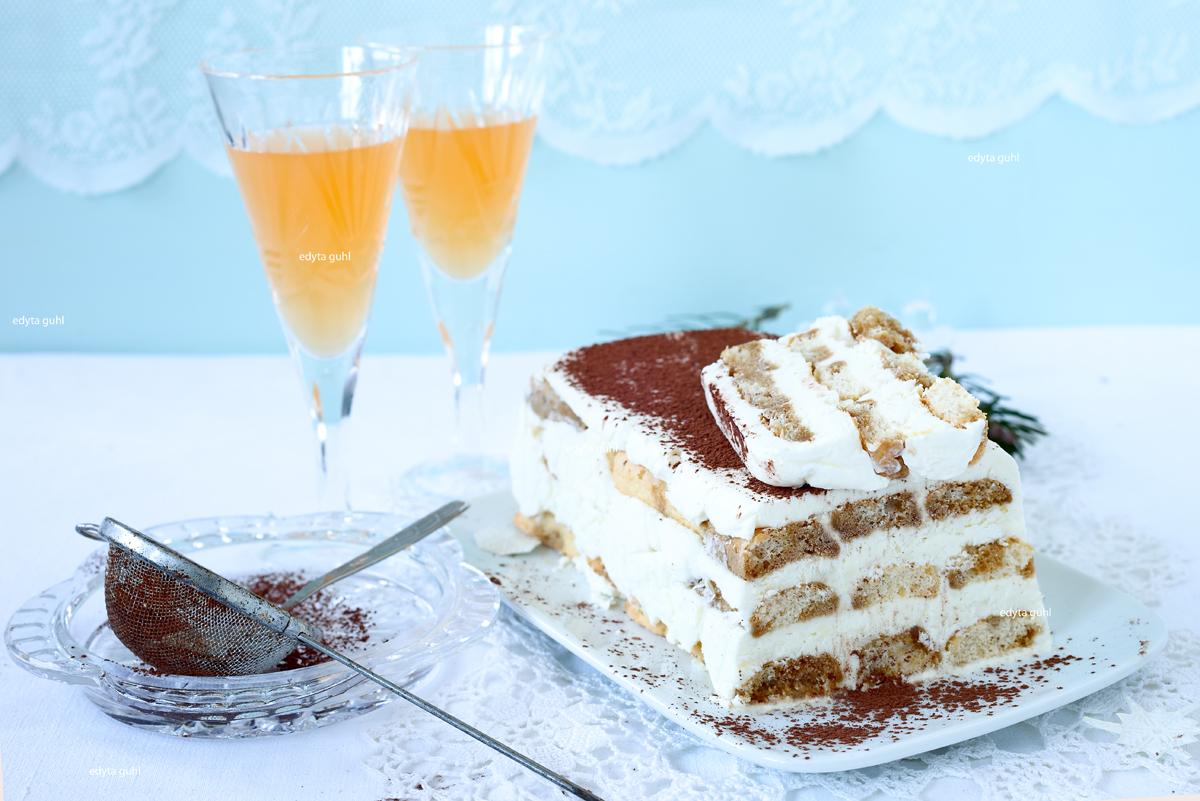 rezepte für Dessert. Tiramisu Semifreddo. Edyta Guhl.