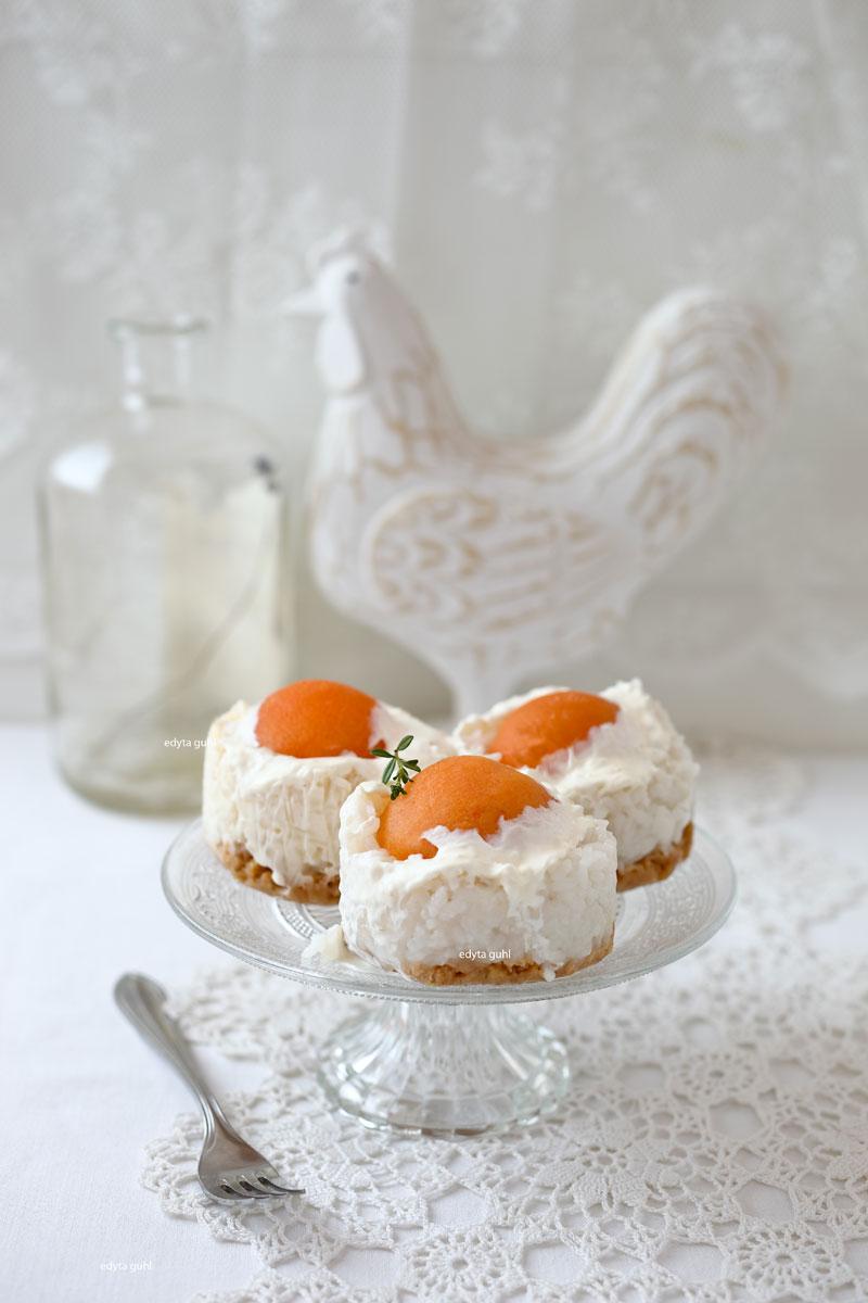 Törtchen zu Ostern. Spiegeleier, Dessert. Edyta Guhl.
