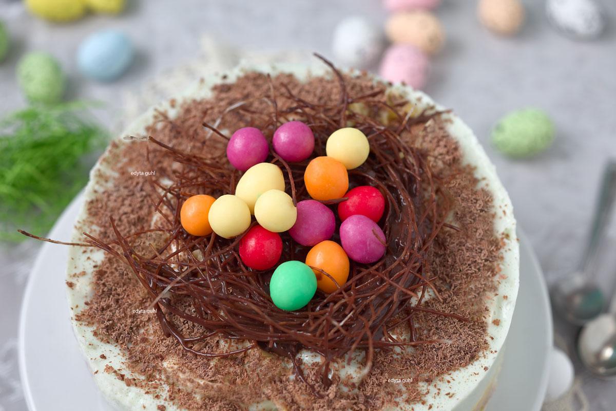 Schokoladen- Vogel- Nest. Bunte Eierkuchen- Torte. Edyta Guhl.