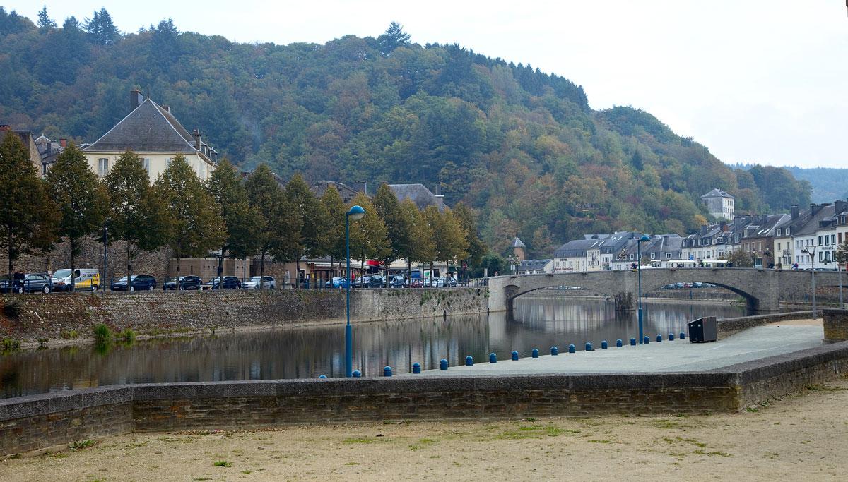 Stadt-Bouillon-an-der-franzoesischen-Grenze-Edyta-Guhl