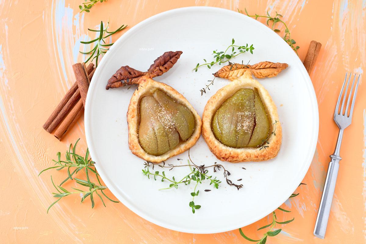 Rezept für Birnen und Äpfel auf Blätterteig. Edyta Guhl.