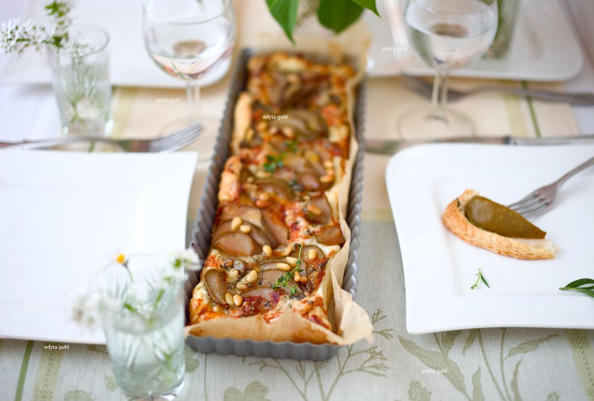 Blätterteig-Tarte-mit-Birne-und-Roguefort-Käse-Edyta-Guhl