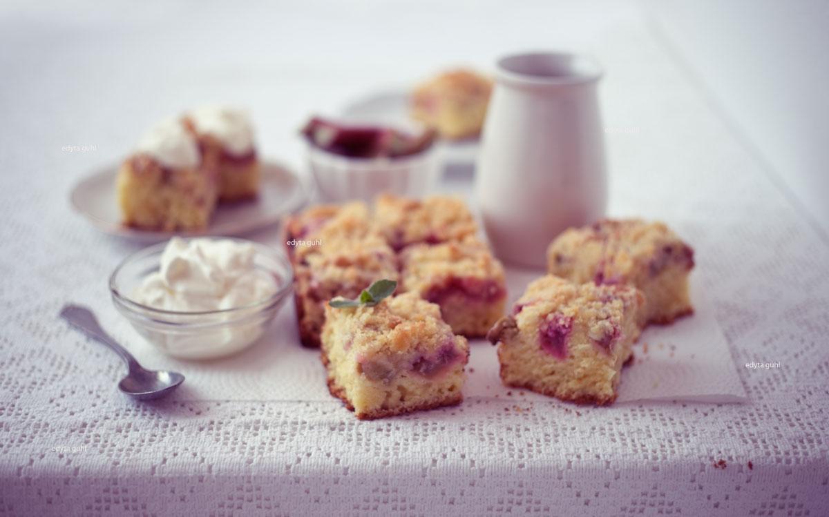 Ein-Klassiker-Streuse-Rhabarber-Kuchen-Edyta-Guhl