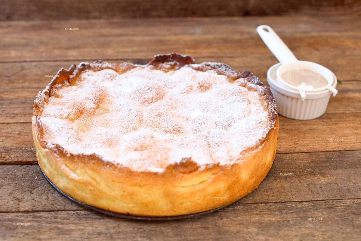 Gedeckter-Apfelkuchen-Edyta-Guhl