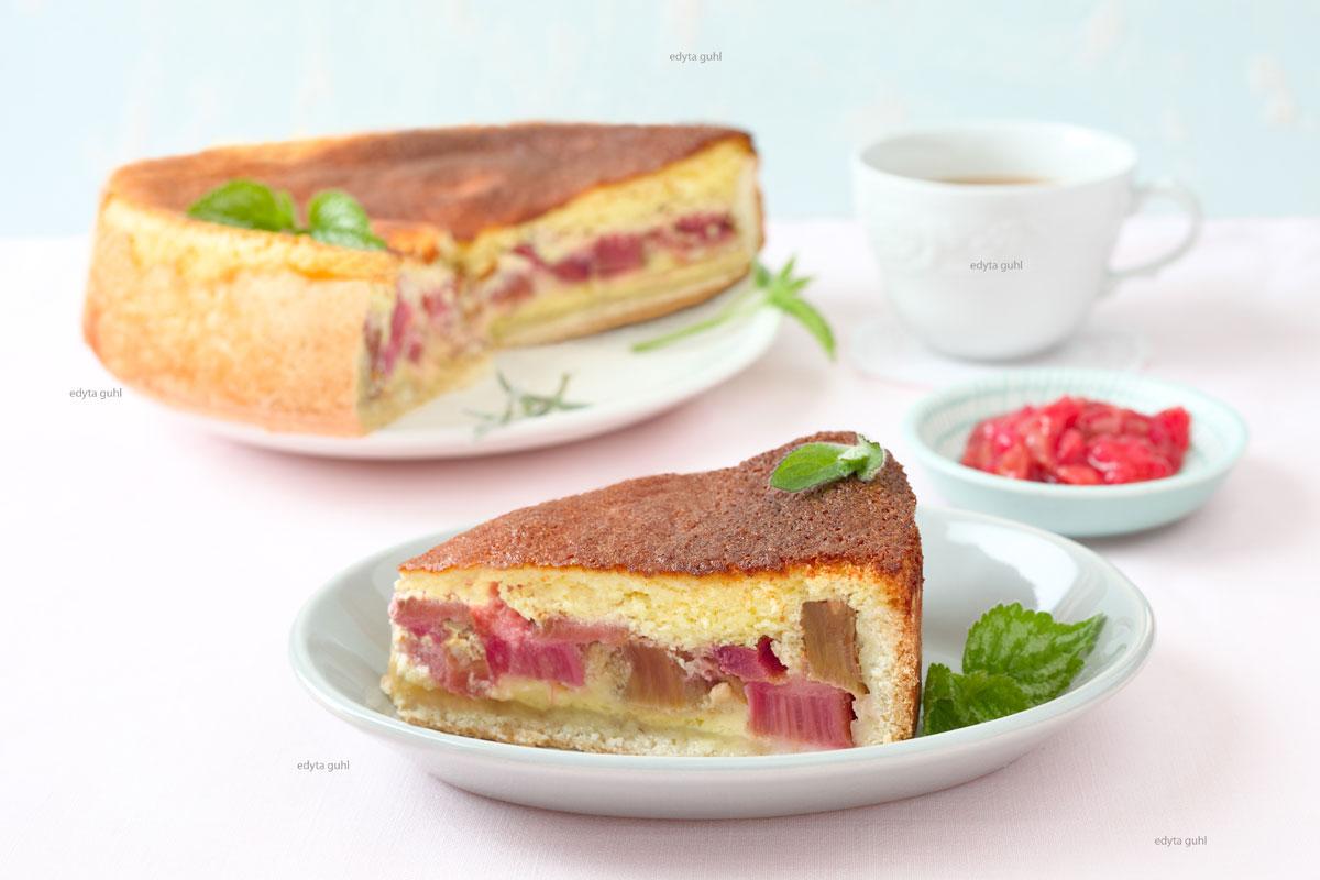Der-köstliche-Rahmkuchen-mit-Rhabarber