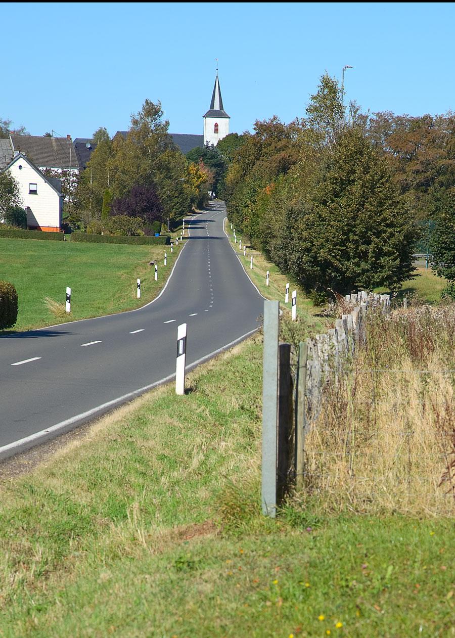 Blick-auf-die Kirche-in-Gro0ßkampenberg
