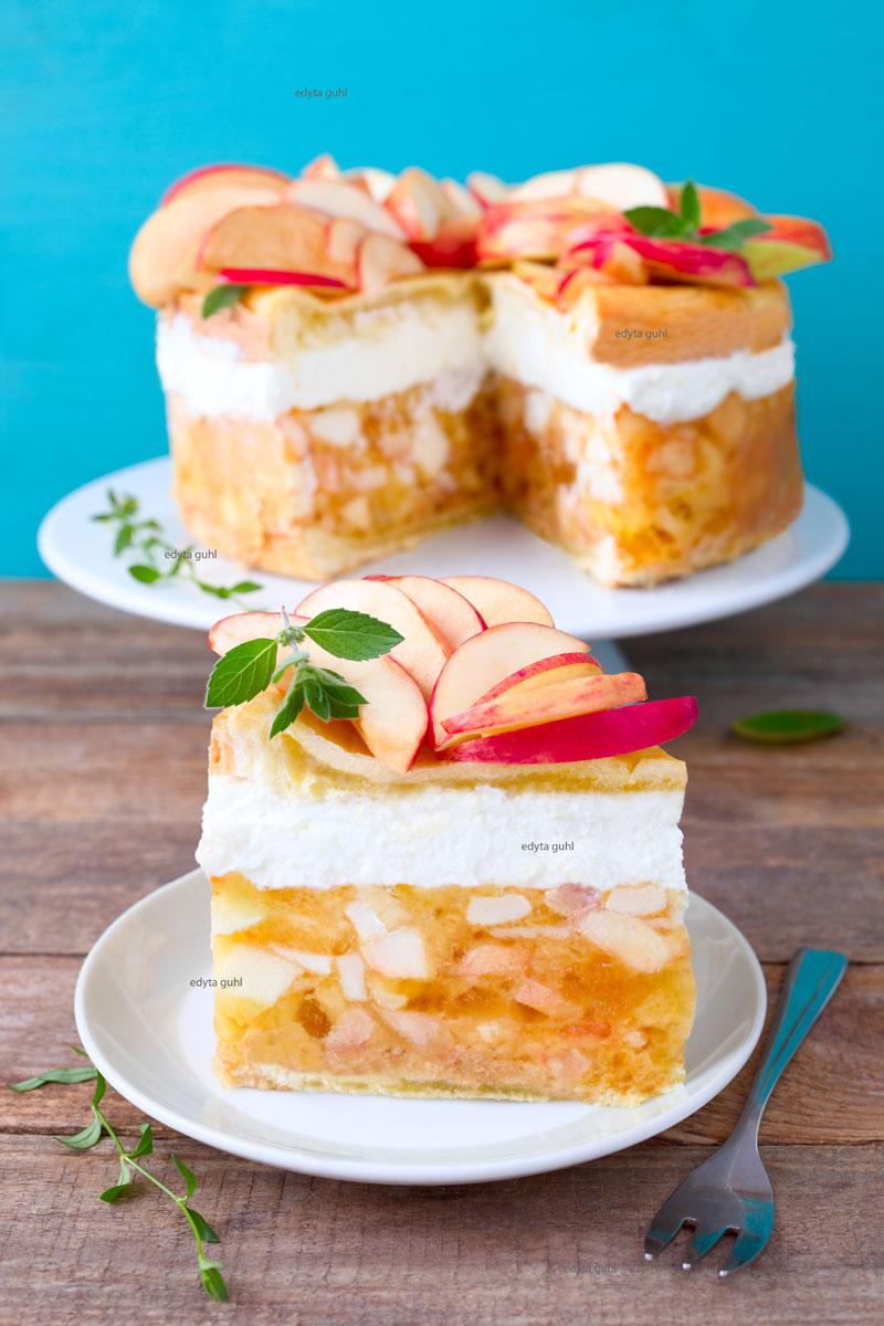 apfelkuchen-mit-sahne
