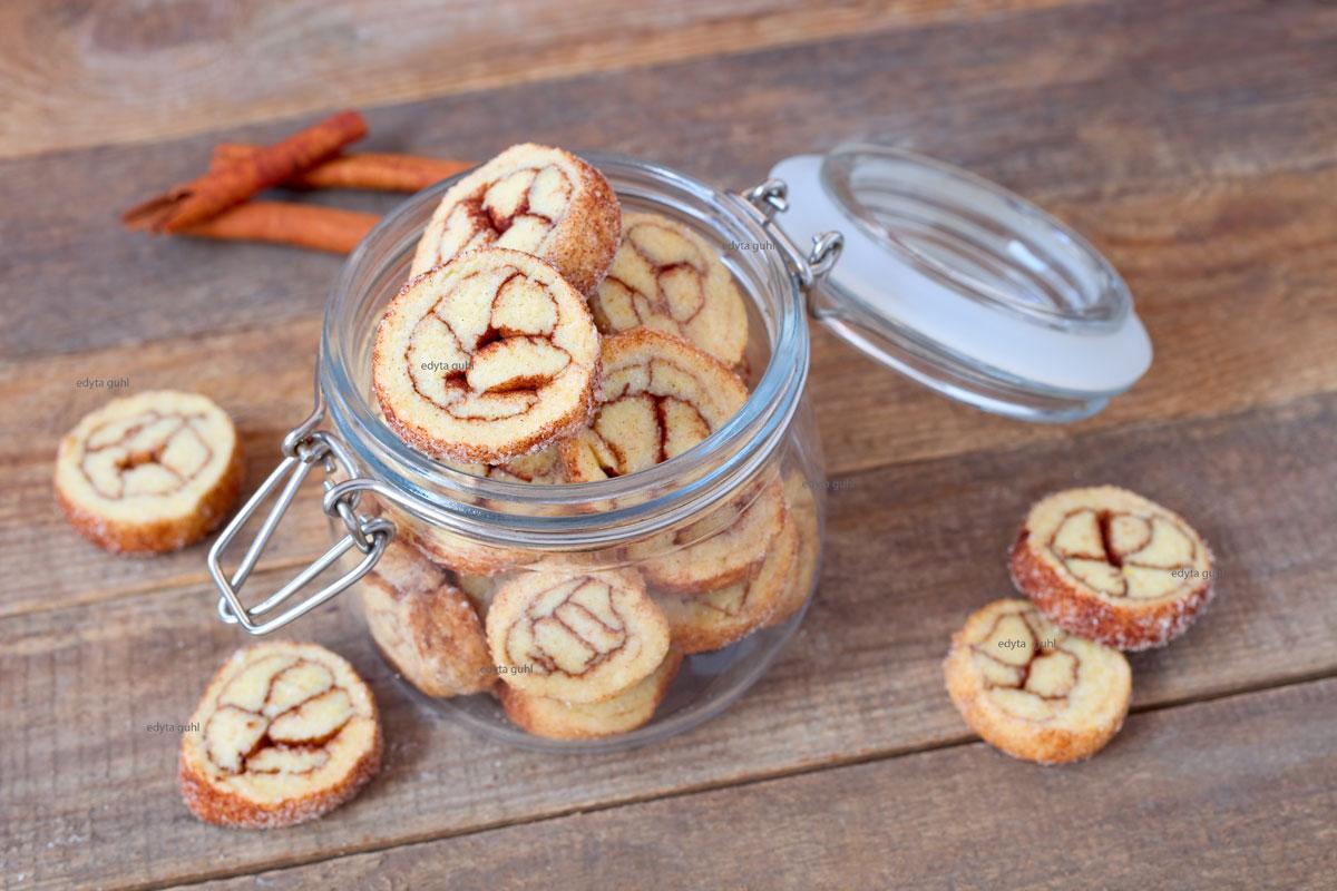 Kekse-mit-Zimt-backen
