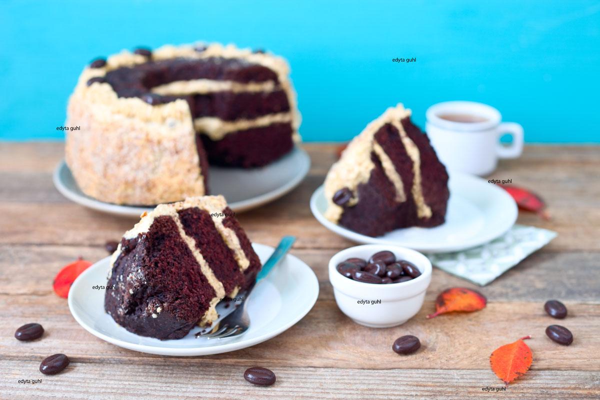 Vegetarischer-Schokoladen-Kuchen-mit-Karamell
