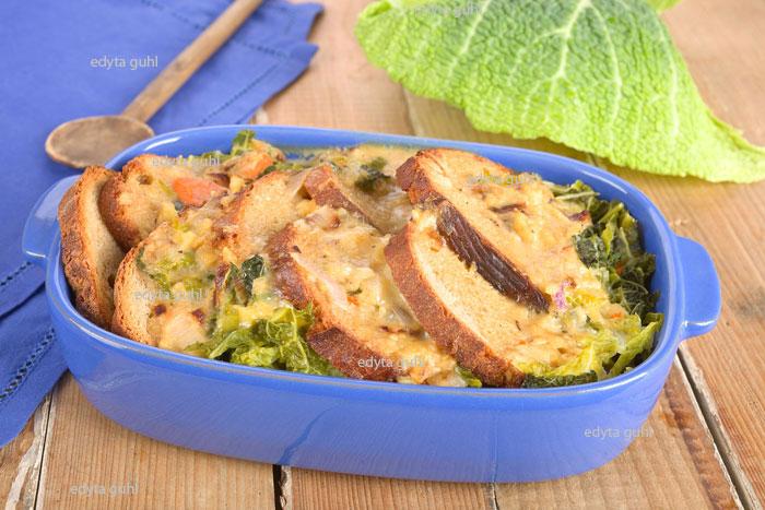 Überbackenes-Brot-mit-Gemüse