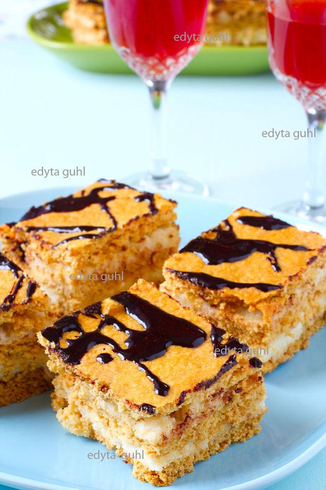 polnischer-honigkuchen-mit-griessfuellung