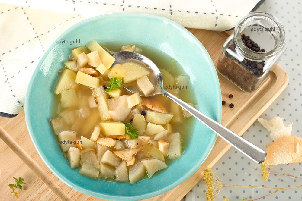 rezept-bouillon-und-schwarzer-rettich-suppe