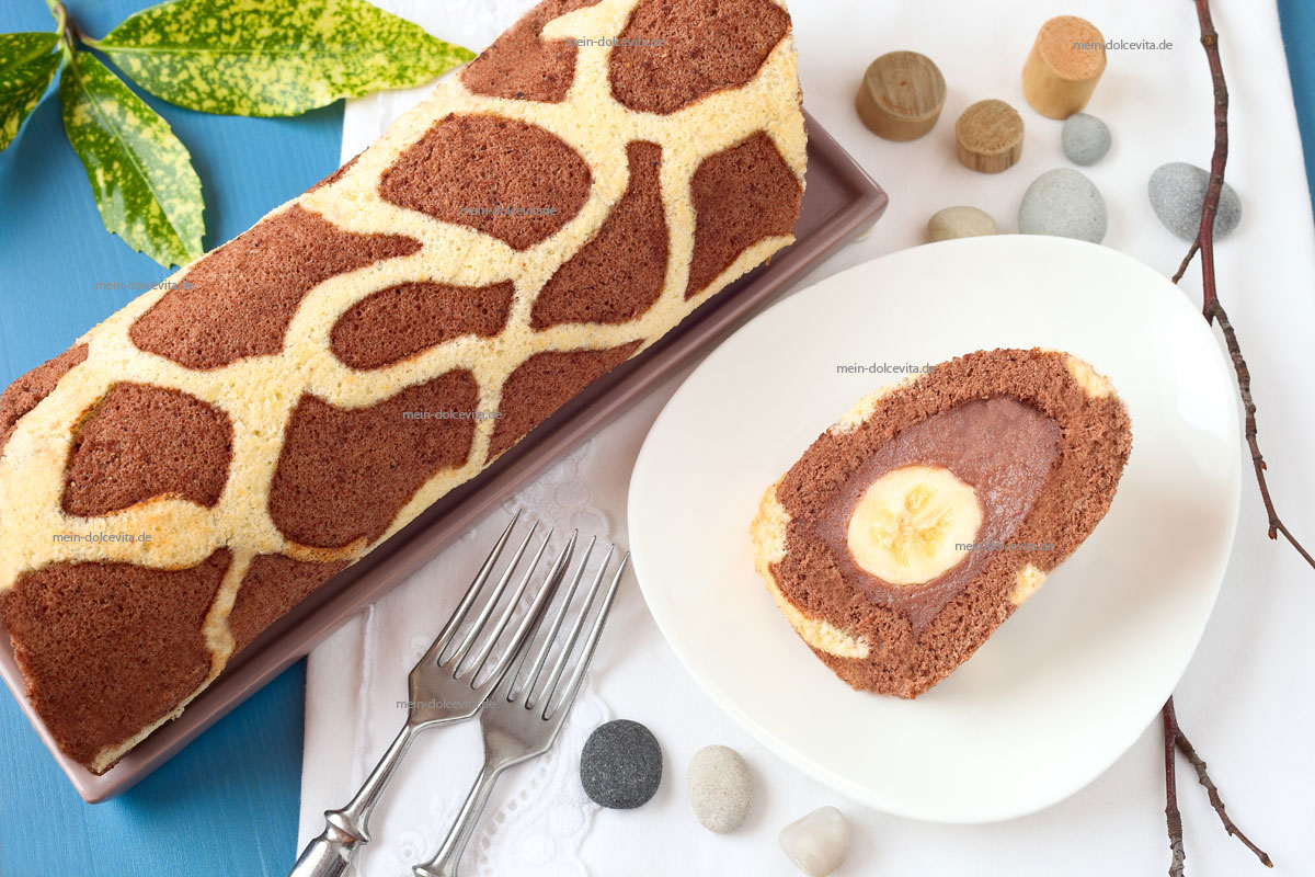 giraffen-biskuitrolle-mit-banane
