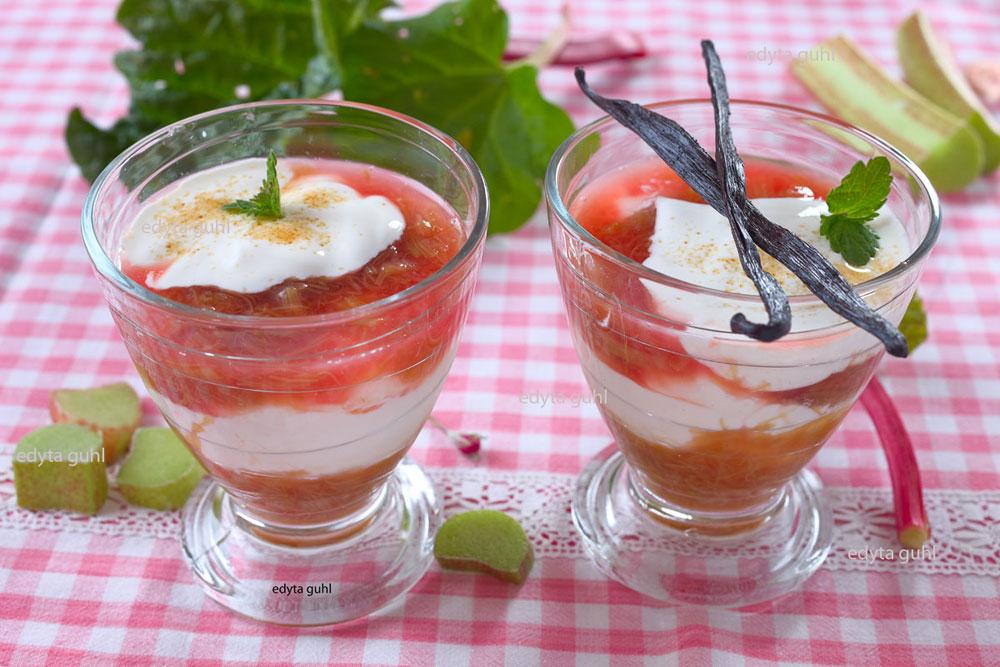 dessert-mit-rhabarber-kompott