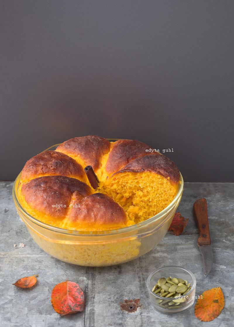 Kürbis- Brot aus der Schüssel. Kreative Rezepte. Edyta Guhl.
