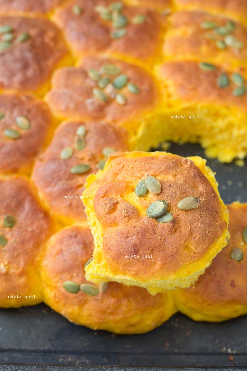kuerbis-zupfbroetchen-rezept