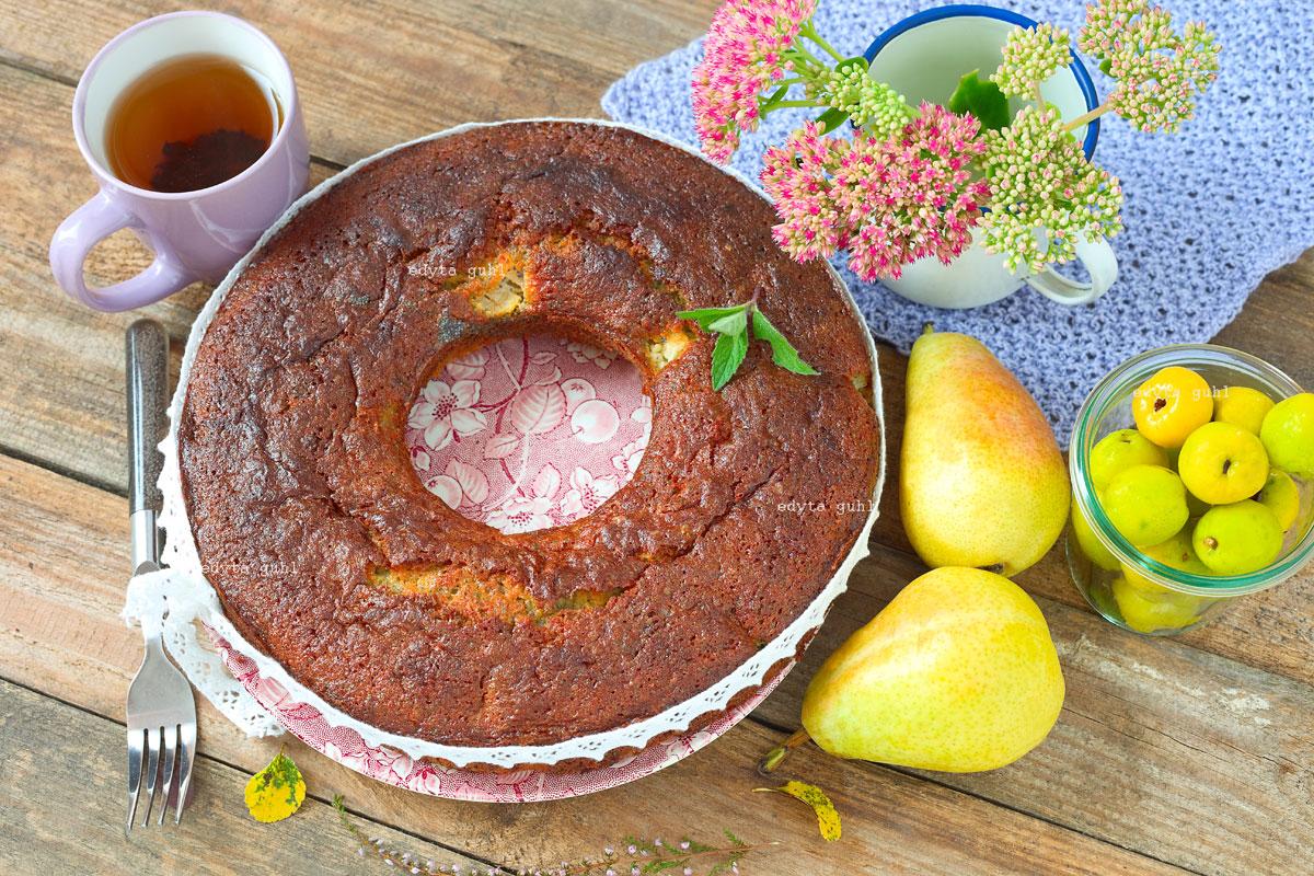 mohn-kuchen-mit-marzipan-und-birne