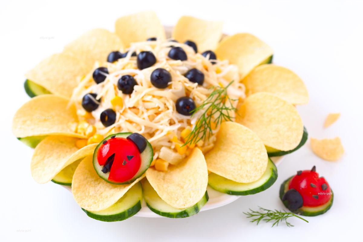 sonnenblume-salat-mit-marienkaefer