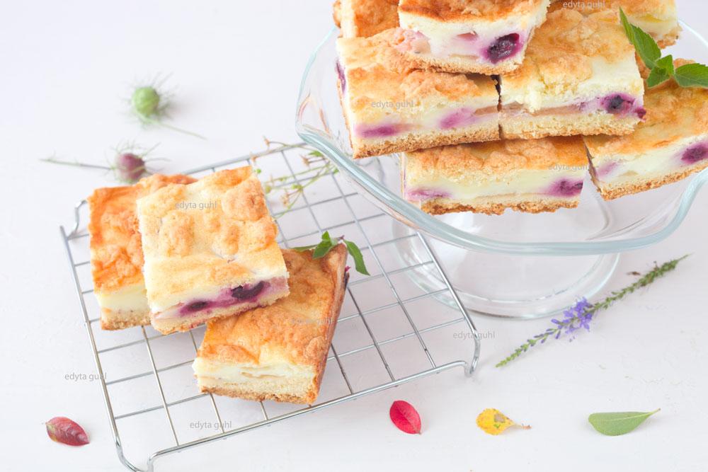 kuchen-mit-joghurtfuellung-rezept