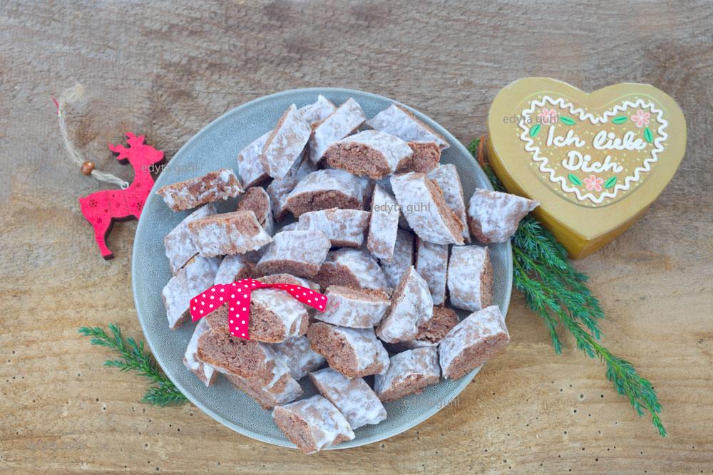 weihnachtsbäckerei-kekse