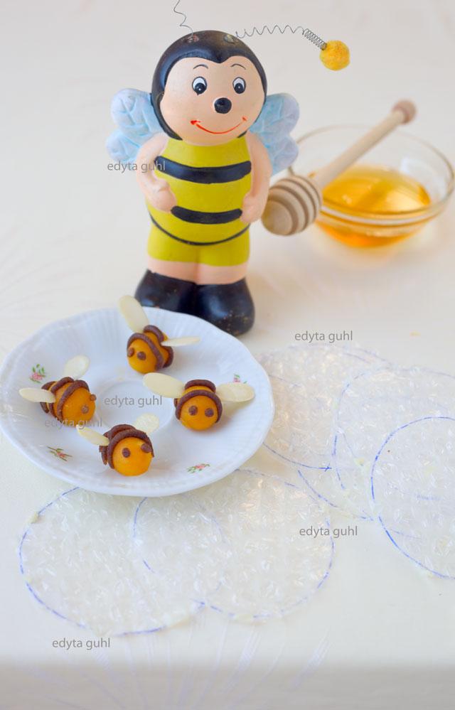 kuchen-dekorieren-bienen